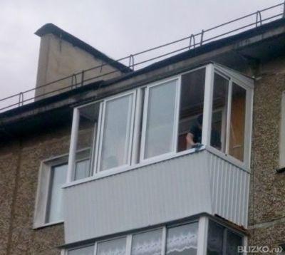 Балкон алюминиевый с крышей от компании гринлайн купить в го.